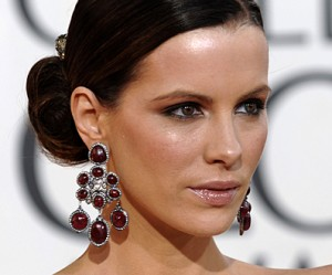 Kate Beckinsale in Drop Earrings